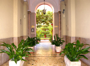 B&B's entrance from Piazza Vittorio