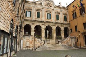 Piazza Vittorio - Biancagiulia B&B, Bed and Breakfast near Rome Termini Train Station