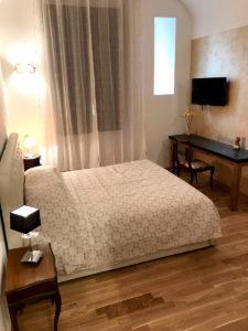 losna room - Biancaluna B&B, Bed and Breakfast near Rome Termini Train Station
