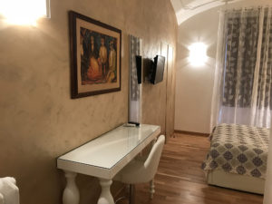Selene room - Biancaluna B&B, Bed and Breakfast near Rome Termini Train Station