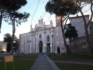 Basilica di Santa Croce di Gerusalemme vicino al Biancagiulia Bed and Breakfast Roma Stazione Termini
