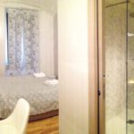 Camera Purmina - Biancaluna Bed and Breakfast vicino Stazione Roma Termini